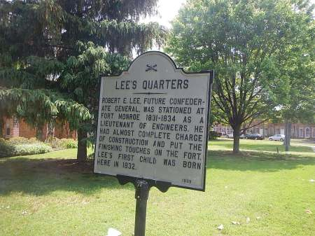 The house the Lee's lived in still stands today, and is someone's private residence. Can you imagine?